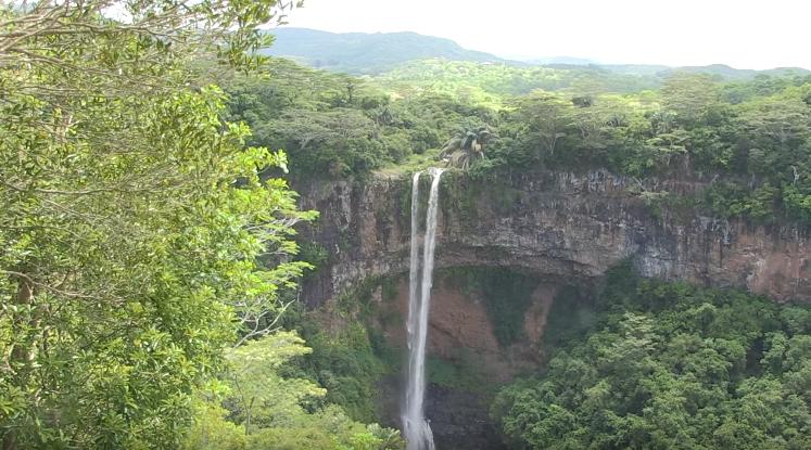 Chamarel ile maurice waterfall cascading
