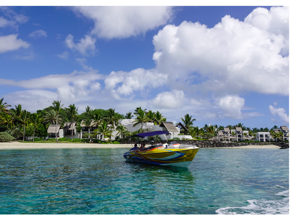 Speed boat transfer from Blue Bay to Ile aux cerfs